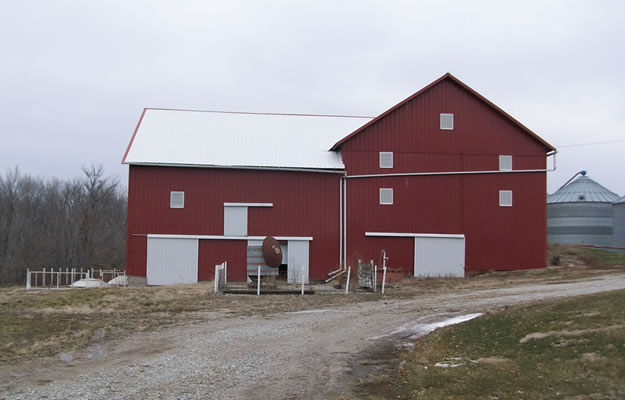 century-old-barn-take-down